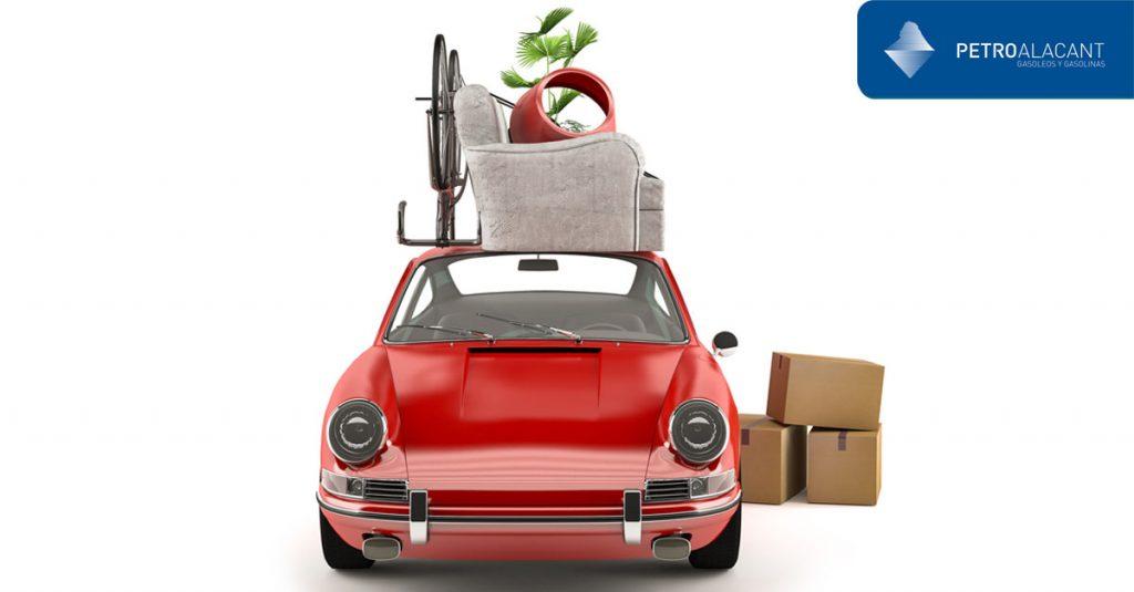 como cargar el equipaje en la baca del coche